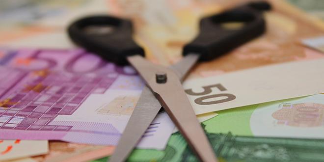 NOVI UDAR NA GRAĐANE: Banke kreću s novim obračunima minusa, mnogima će biti 'srezani'