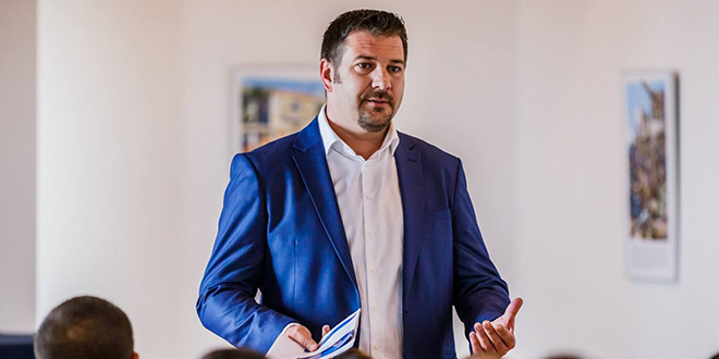 Denis Ivanović: Grad Kaštela se nikad nije miješao u odluke krnjevalskih udruga