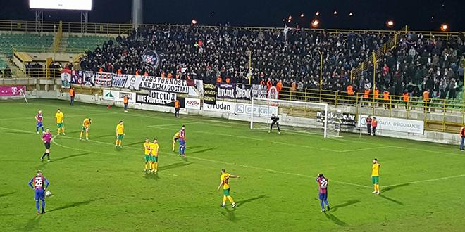 DUPLIN OSVRT: Hajdukova pobjeda u Puli ostala je u sjeni Torcidine reakcije s tribine