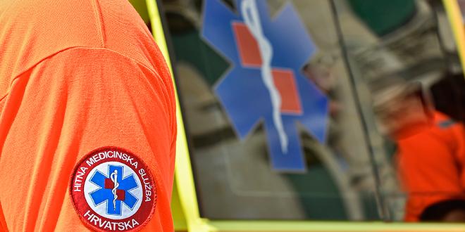 TUČNJAVA U ILOČKOJ Muškarac primljen u bolnicu s teškom ozljedom glave