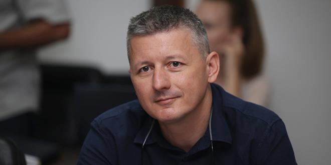 Jakov Prkić: Naprosto mi je neugodno i crvenim se koliko Andro Krstulović Opara ne poznaje gradivo. Sjedi 1, AKO!