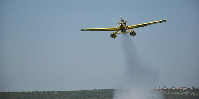 Zračne snage gase požar i izviđaju površine u Dalmaciji