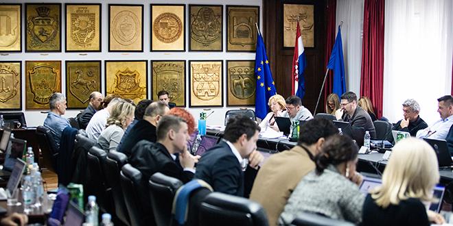 Sjednica Gradskog vijeća Splita nastavlja se nakon mjesec dana, a uskoro će i tematska o Marjanu