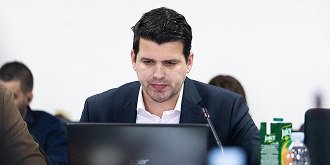 Čikotić: Gradonačelnik ipak nije uputio zahtjev Državnoj geodetskoj upravi za upisom posebnog pravnog režima PŠ Marjan