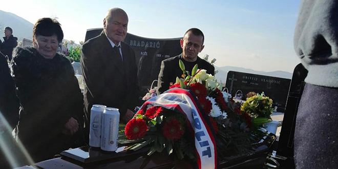 POKOPANA NAJSTARIJA ČLANICA: Na drugi svijet s Hajdukovim šalom i dvije pive