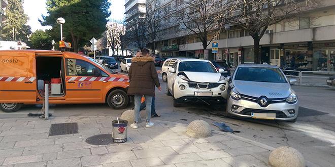 Sudar na križanju Starčevićeve i Gundulićeve, jedna osoba zatražila pomoć liječnika
