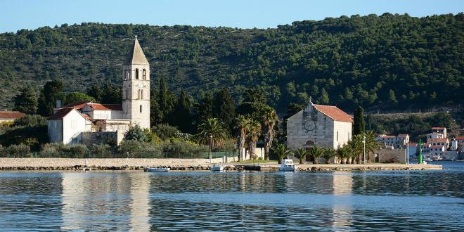 BRITANCI ODUŠEVLJENI Dalmatinski otok uvršten među 10 najljepših destinacija