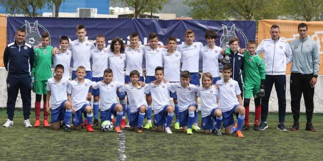 VIDEO: Mlađi pioniri Hajduka startali pobjedama na turniru Darko Mateša