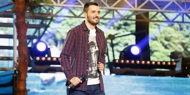 ZVIJEZDE - LJETNI HIT Konobar iz Splita osvojio simpatije publike i žirija