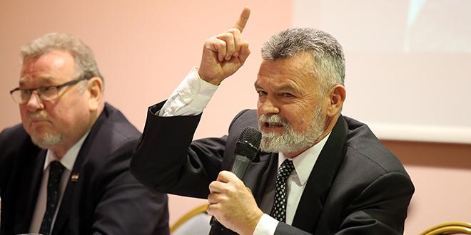 Krpina: Propovjednik teze da HDZ ne smije biti talac jednog čovjeka učinio je ovu povijesnu državotvornu  stranku  taocem  osobnih narcisoidnih ambicija