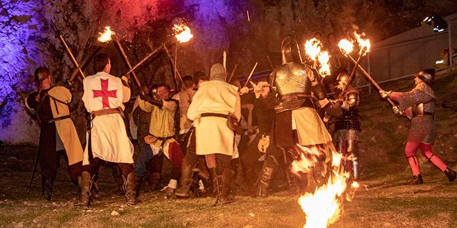 FOTOGALERIJA Pogledajte spektakularnu završnicu Zvonimirovih dana u Kninu
