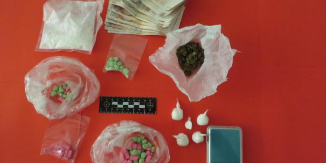 Diler uhvaćen s ecstasyjem, speedom i marihuanom