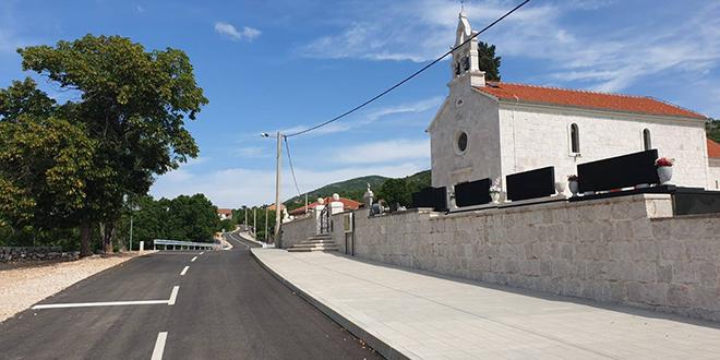 SVEČANOST U ZAGVOZDU Otvorena rekonstruirana dionica ceste Krstatice - Slivno i mjesni vodovod