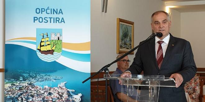 Župan Boban posjetio Dom zdravlja u Supetru i nazočio svečanoj sjednici općine Postira