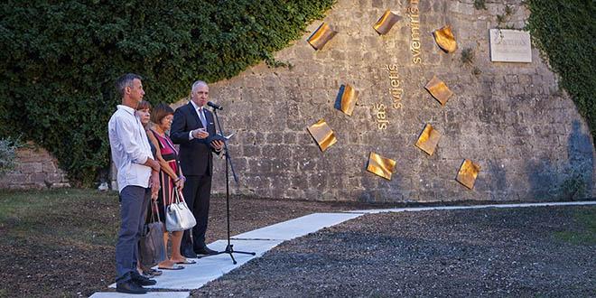 HSP Split: Gradonačelnik nije spomenuo da su komunisti preorali groblje Sustipan! Srami se, Andro!