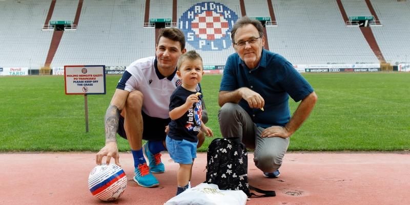 Hajduk ugostio malog Tomu, zvijezdu fotografije koja je obišla svijet