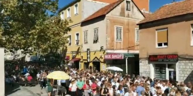 VIDEO Tisuće vjernika na ulicama Sinja