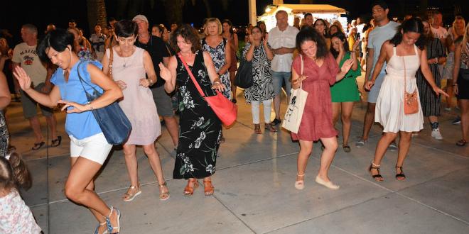 LJETNI ĐIR Cijela Riva zaplesala uz 'Walking on sunshine'