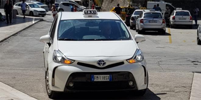 Taksi iz Italije u centru Splita: 'Doša je na odmor ubit koju kunu…'