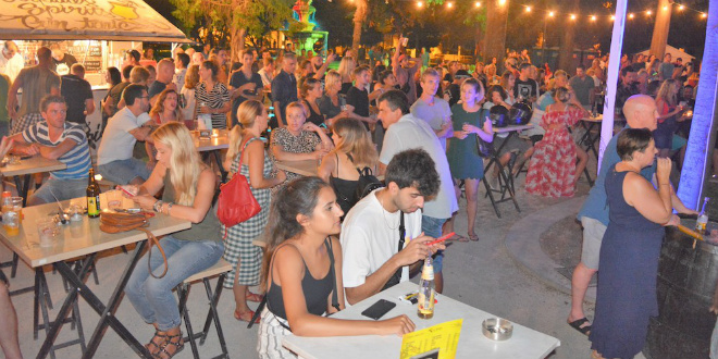LJETNI ĐIR Zabava za sve uzraste obilježila je večer u Splitu