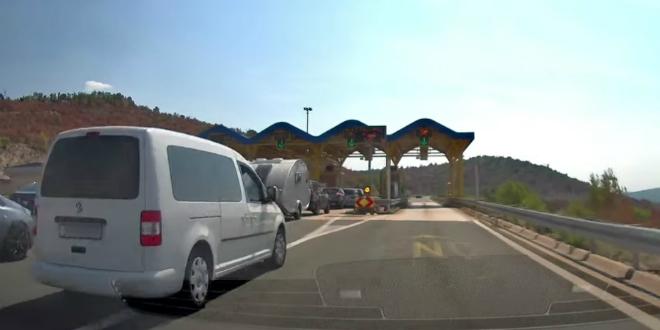 VIDEO Snimljeno kako se vozači švercaju na autocesti
