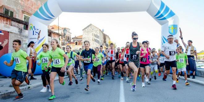 OMIŠKI POLUMARATON Rekordan broj natjecatelja trčat će kanjonom Cetine