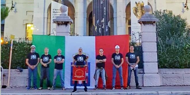 NOVA PROVOKACIJA U RIJECI Objesili talijansku zastavu na Guvernerovu palaču