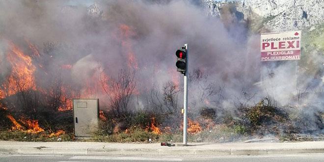 Požar u Kaštel Sućurcu!