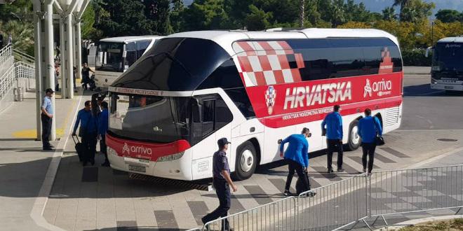 Hrvatska nogometna reprezentacija bez izjava otišla iz Splita