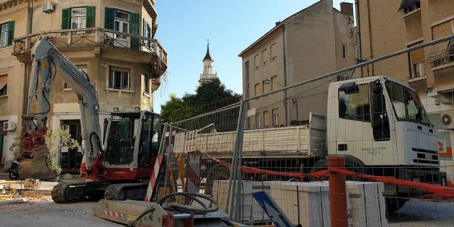 UREĐENJE ŠPERUNA Postavlja se novi kamen i instalacije, sve mora biti gotovo do sredine studenog