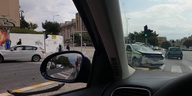Sudar na križanju Vukovarske i Bušićeve ulice