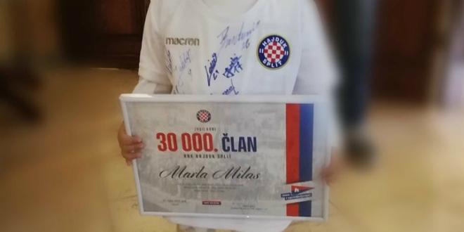 Djevojčica iz Slavonije 30.000 članica Hajduka