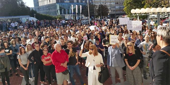 VIDEO Snažne poruke poslane iz Splita: 'Vrijeme je da pravosuđe preuzme odgovornost!'