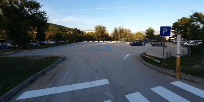 Otvoreno parkiralište na Sustipanu