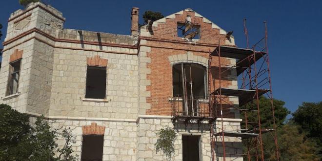 POČELA OBNOVA Kaštelanska vila Nika će za 18 mjeseci zasjati starim sjajem
