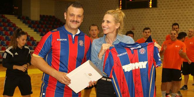 FOTOGALERIJA: Veterani Hajduka odigrali protiv DES-a humanitarnu utakmicu