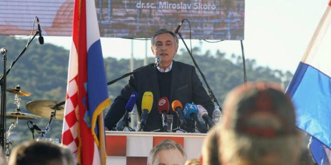 Škoro u Lori: Nemojte vjerovati onima koji navijače Hajduka nazivaju orjunašima
