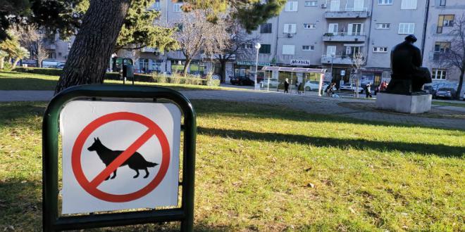 Pas u parku u centru Splita skočio na bebu, porazgovarali smo s njezinim ocem
