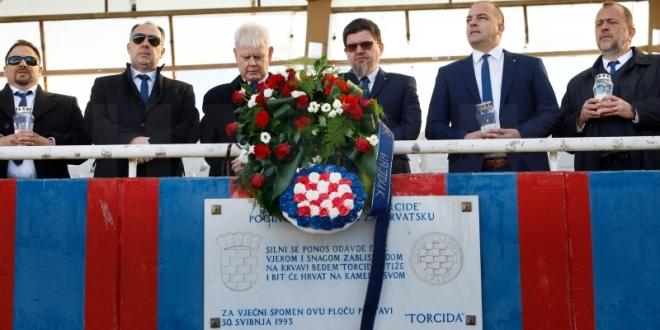 Misom na Poljudu i polaganjem vijenaca na Sjeveru počelo obilježavanje 109. Hajdukovog rođendana