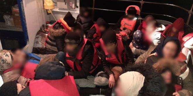 Dubrovački policajci spasili 36 migranata: Iz gumenjaka se čulo zapomaganje, a neki su bili bez svijesti