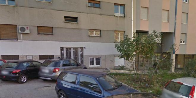 VRIJEĐAO MORALNE OSJEĆAJE Splićanin gol ležao na zidu, mora platiti 189 kuna