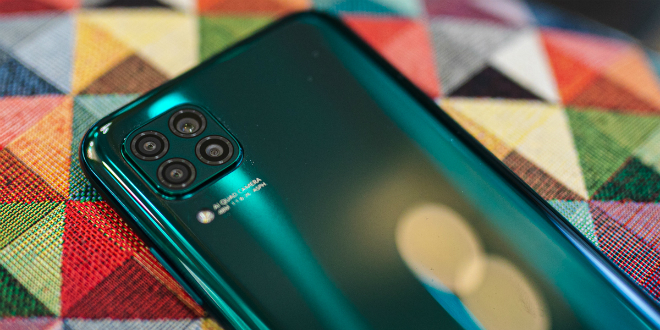 Huawei P40 lite u prednarudžbi uz Band 4 fitness narukvicu na dar