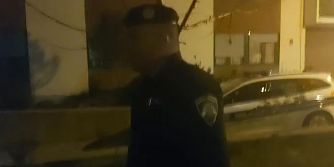 VIDEO Interventni policajci upali u 'live' i potjerali novinare