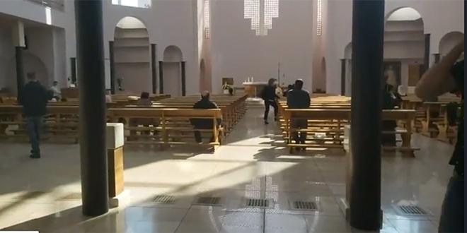 INCIDENT NA SIROBUJI: U crkvi napadnuta novinarka Dalmatinskog portala