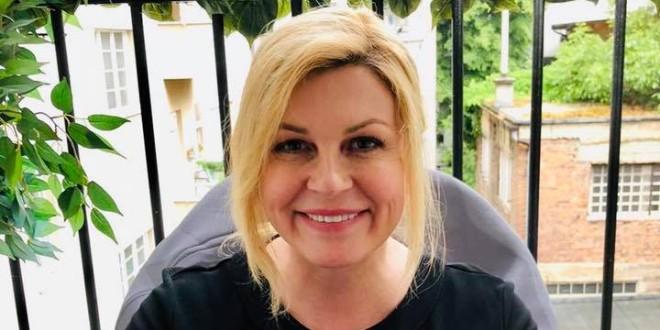 VELIKO SRCE BIVŠE PREDSJEDNICE Kolinda Grabar-Kitarović sudjeluje u izgradnji kuće osmeročlanoj obitelji Radošević kraj Petrinje