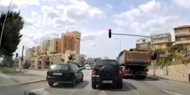 VIDEO: Pogledajte kako je proletio kamionom kroz crveno u Splitu