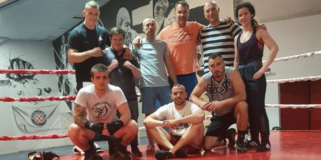 VIDEO: Luka kreće s treninzima u boksačkom klubu 'Torcida Split', a na sljedeću utakmicu ulazi preko ograde