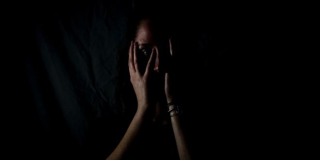 UŽAS U SPLITU Majka osuđena na 4 godine i 11 mjeseci zatvora za seksualno iskorištavanje sina