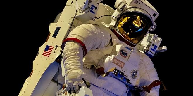 POVIJESNI TRENUTAK Prva civilna posada lansirana u svemir