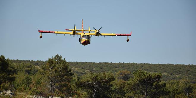 Zračne snage angažirane u gašenju požara na Braču te potrazi za nestalom osobom na Šolti